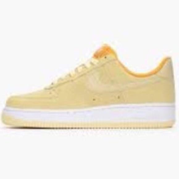 new york bb5f1 01057 Nike Air Force 1 07 Sneakers Yellow Lemon Drop AF1.  M5a7bfbf13800c5b171c3192a